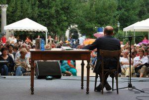 Dibattito nei giardini di Villa Celimontana fotografia di Stefania Perrone