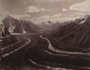 Il ghiacciaio Baltoro visto dai piedi del Gusherbrum - Foto di Vittorio Sella