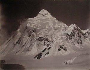 Versante orientale del K2, visto dalla Sella dei Venti - Foto di Vittorio Sella