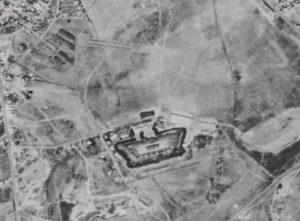 Immagine aerea di un forte di Roma - 1943