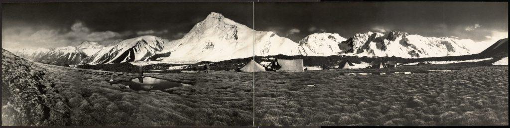Veduta dal Campo Chang-Tok sui Monti del Sarpo-Lago (Karakorum), 1929 – Foto di Giuseppe Chiardola